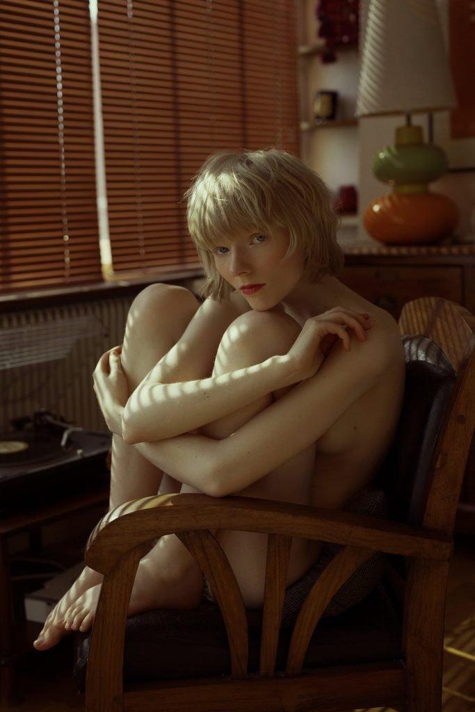 Runa Hansen Nude (6 Photos)
