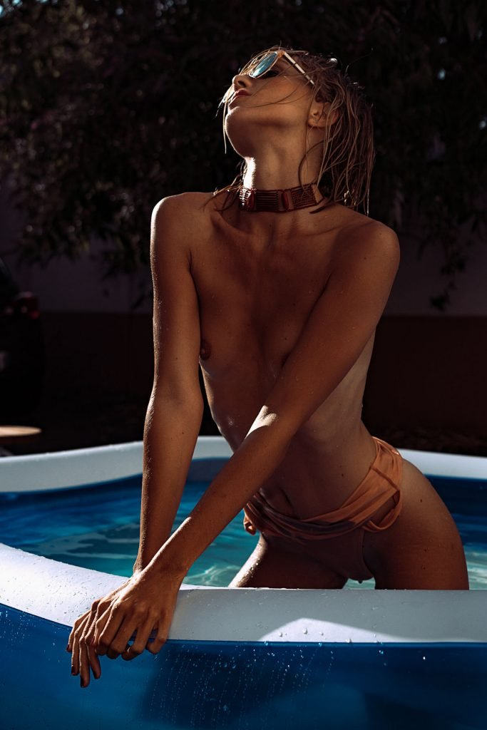 Scarlette Otto Topless & Sexy (34 Photos)
