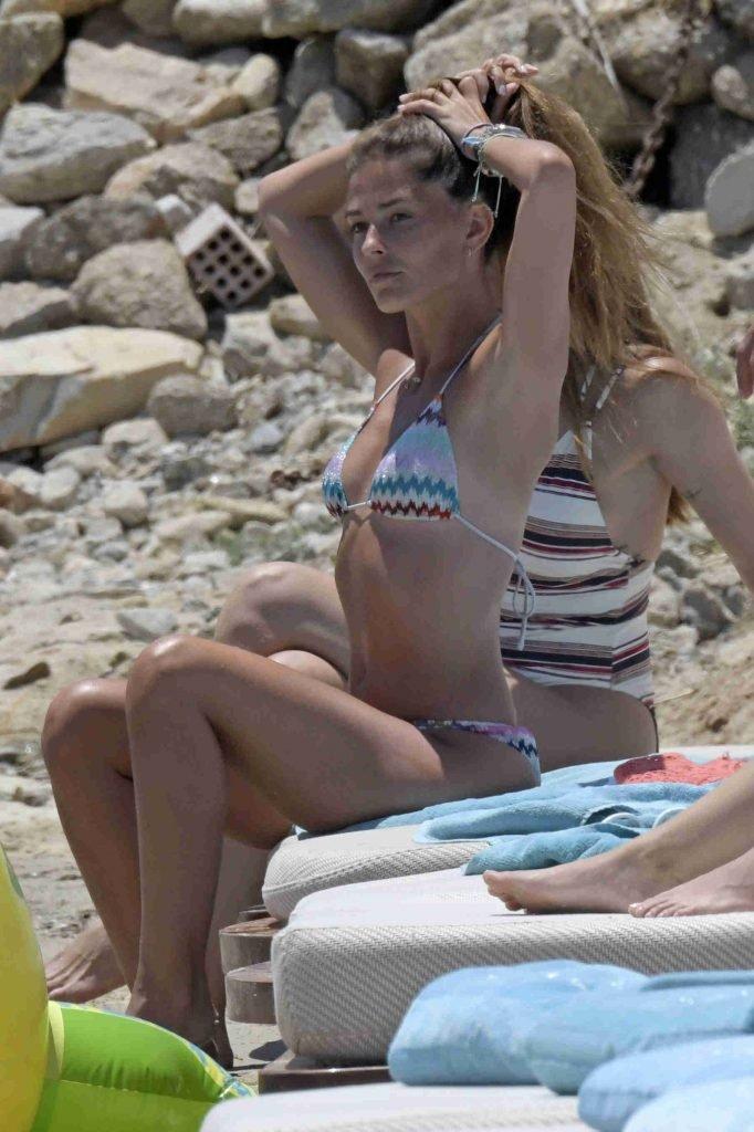 Coral Simanovich Sexy (78 Photos)
