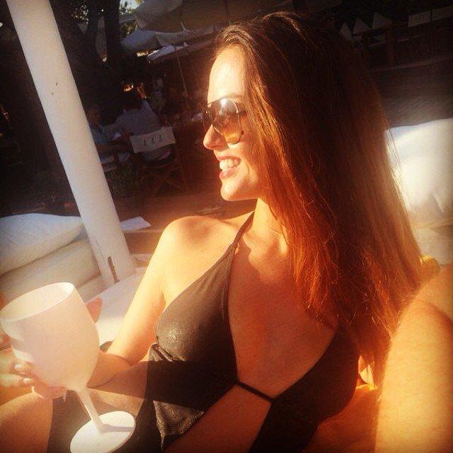 Jennifer Metcalfe Sexy (25 Photos)