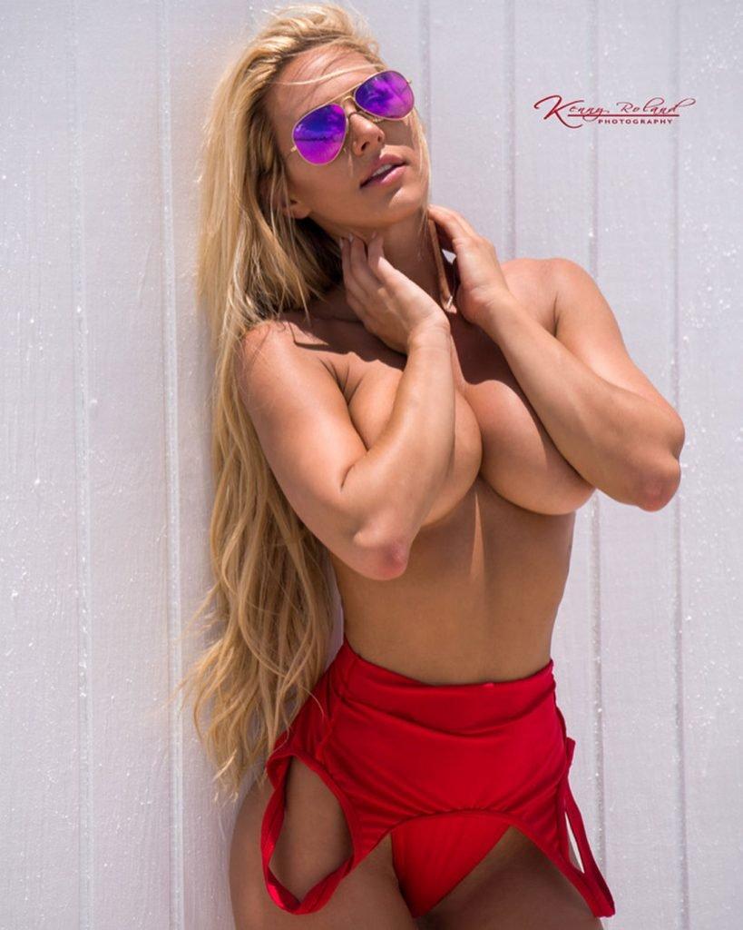 Kindly Myers Nude & Sexy (100 Photos)