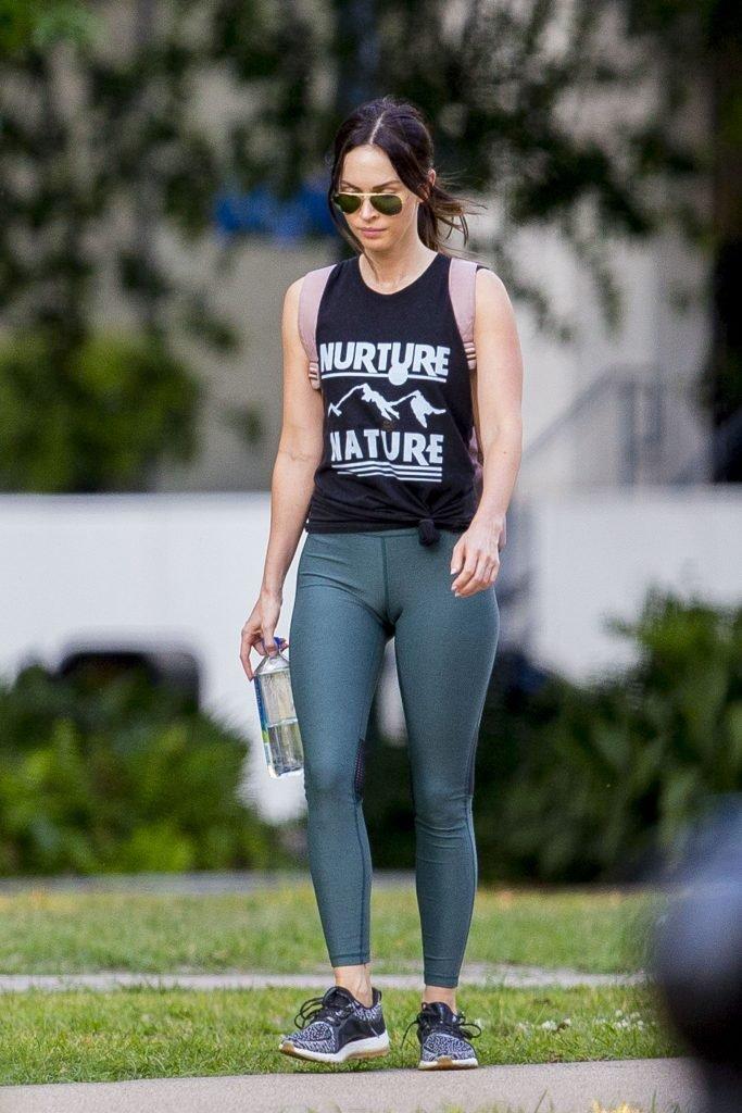 Megan Fox Cameltoe (27 Photos)