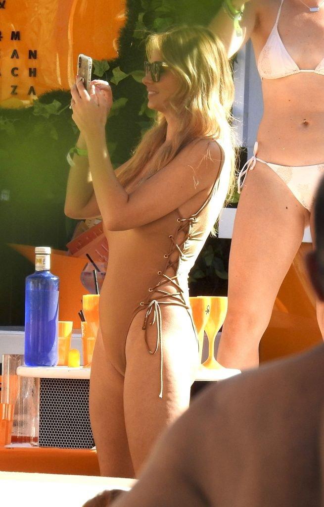 Rhian Sugden Sexy (32 Photos + GIF)
