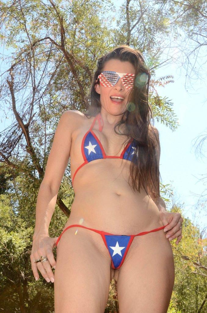 Alicia Arden Nude & Sexy (33 Photos)