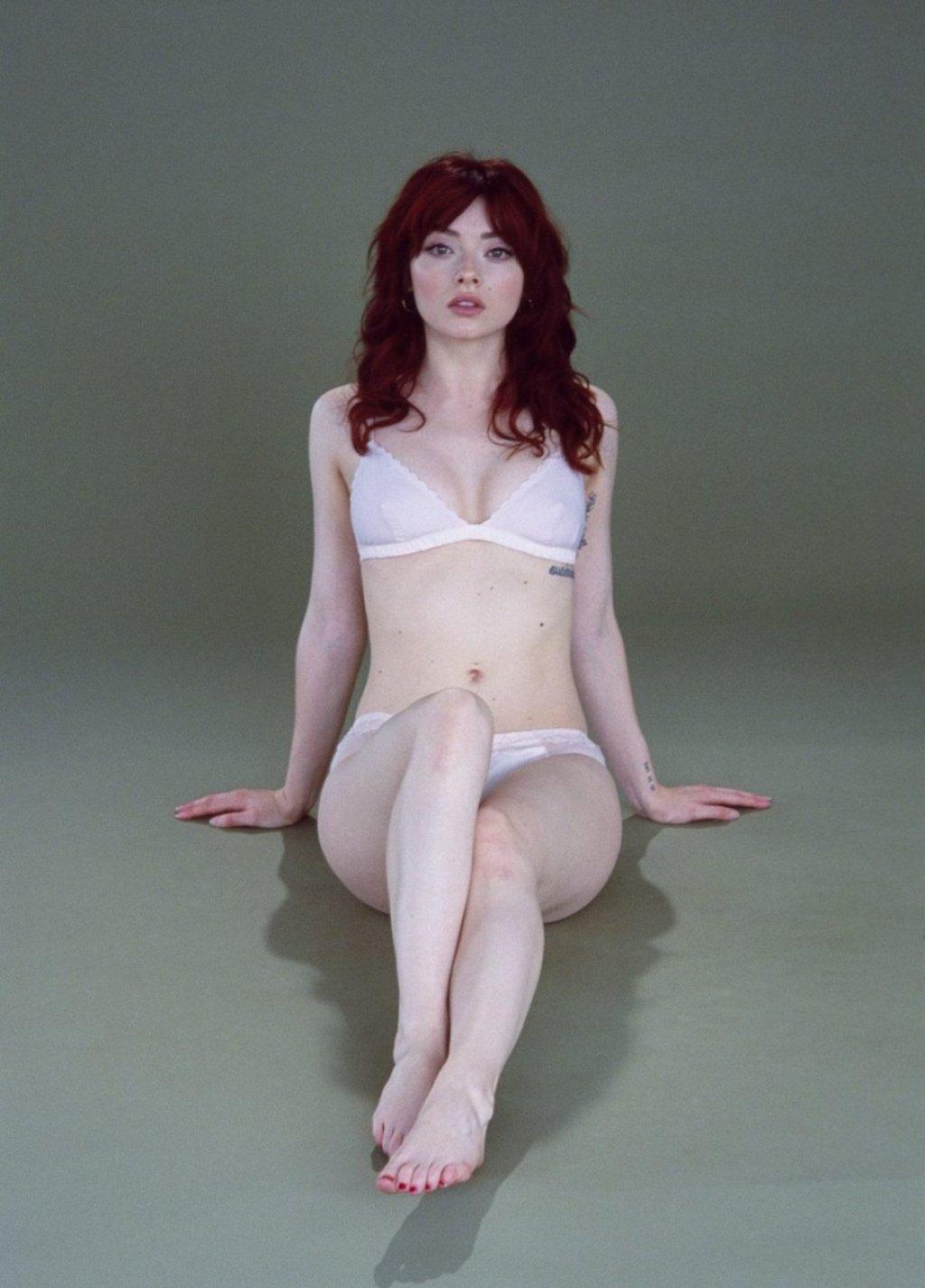 Alina Phillips Nude & Sexy (41 Photos)