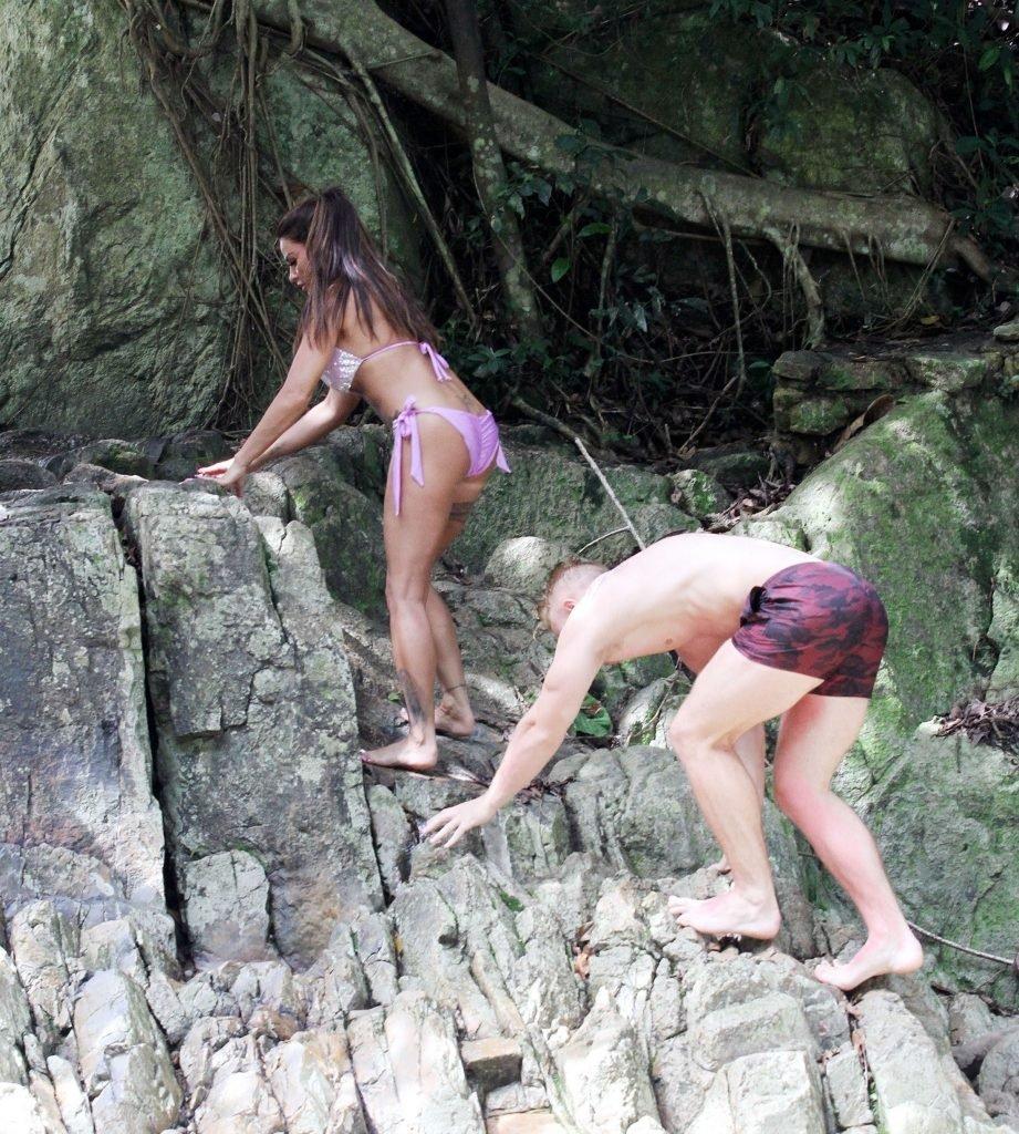 Katie Price Sexy & Topless (72 Photos)