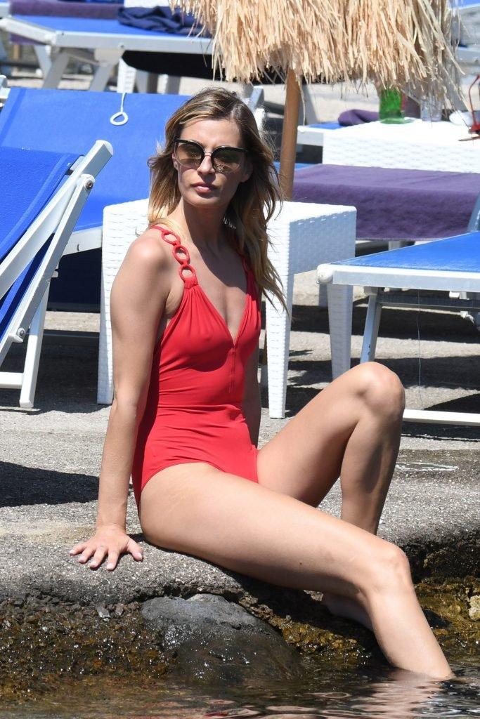 Sveva Alviti Sexy (58 Photos)