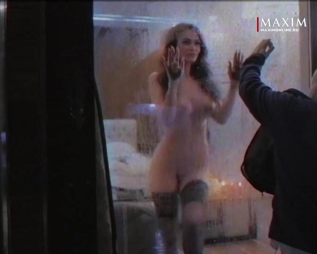 Alena Vodonaeva Nude & Sexy (100 Photos)