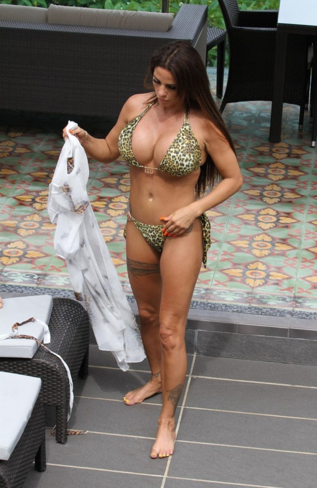 Katie Price Sexy (71 Photos)