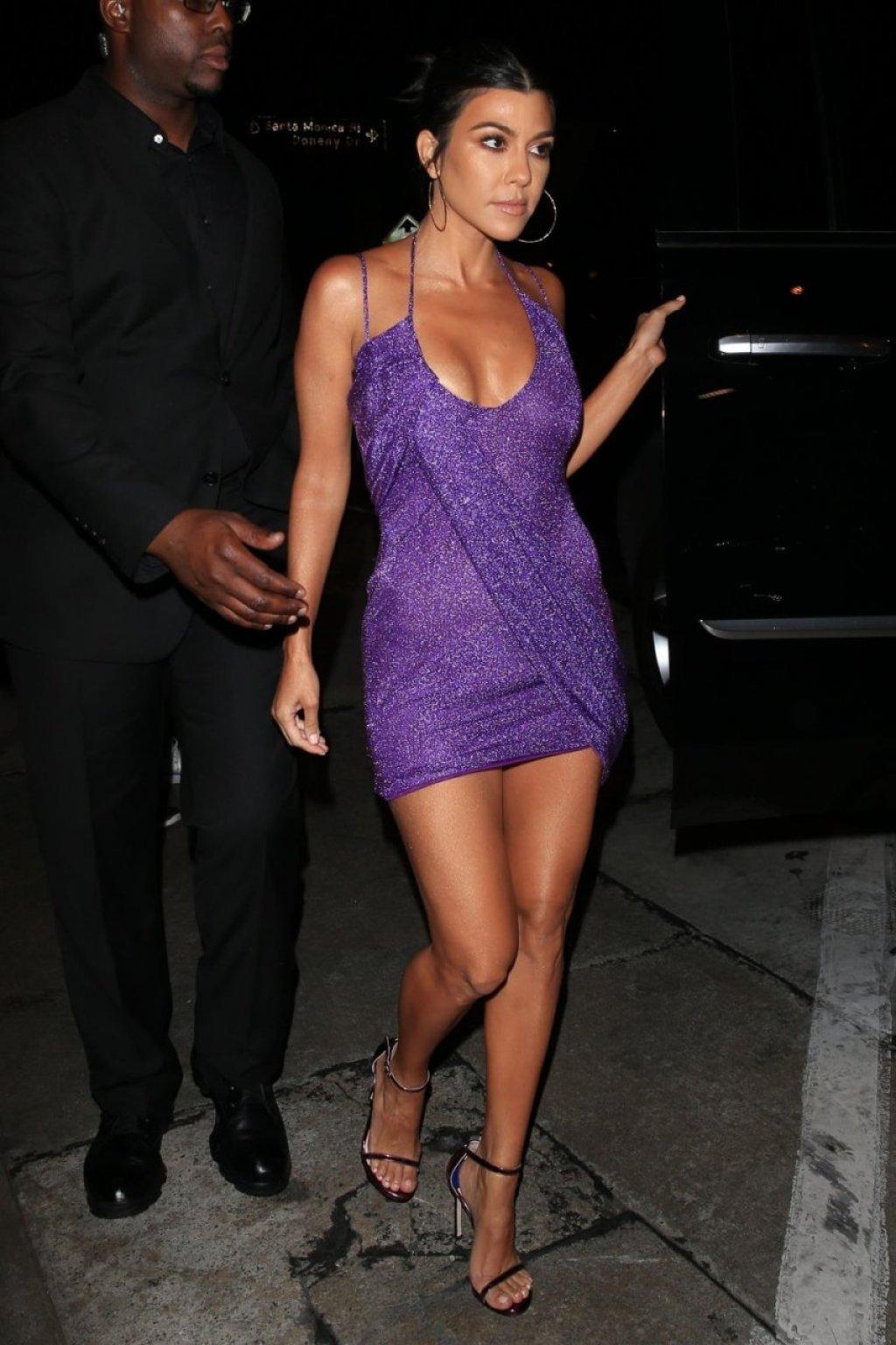 Kourtney Kardashian Sexy (20 Photos)