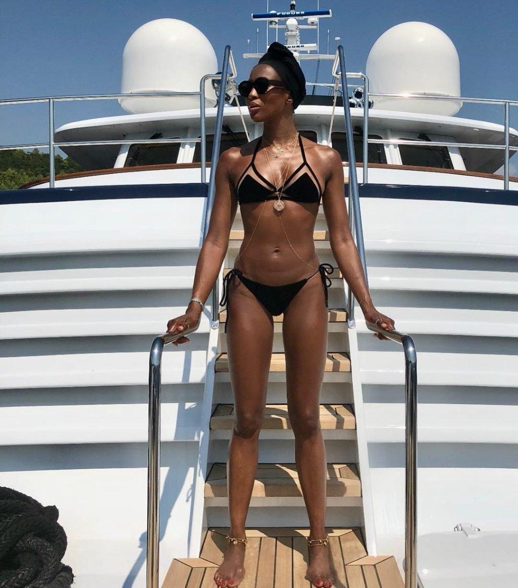 Naomi Campbell Sexy (1 Photo)