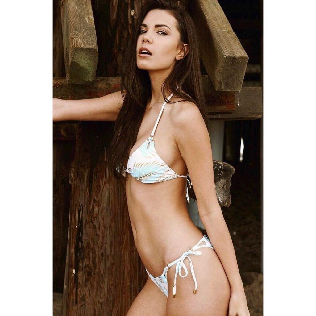 Sabrina Janssen Nude & Sexy (132 Photos)