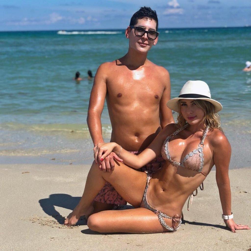 Laura Monroy Sexy & Topless (16 Photos)