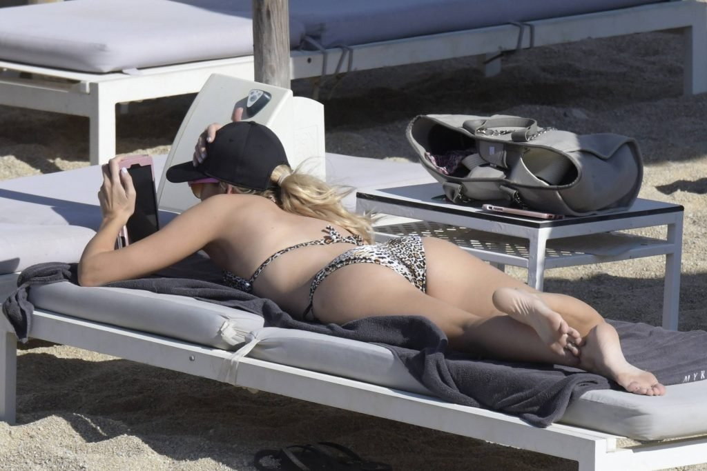 Stephanie Pratt Sexy (37 Photos)