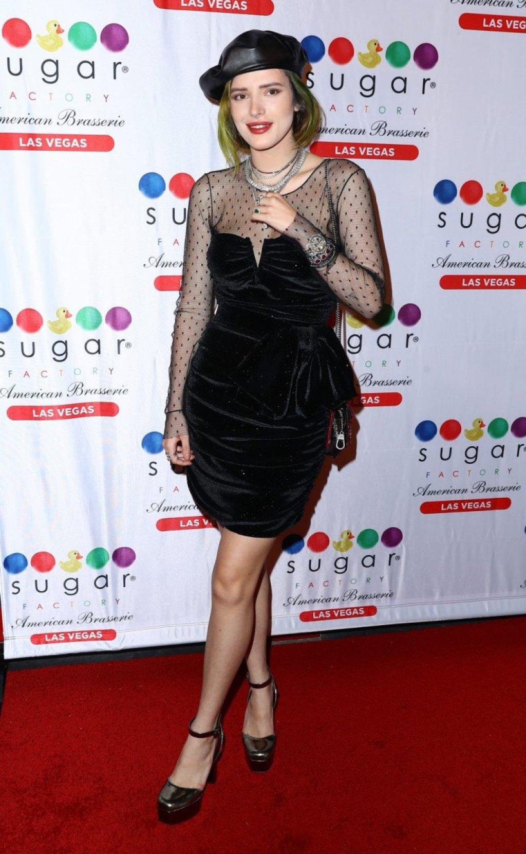 Bella Thorne Sexy (42 Photos)