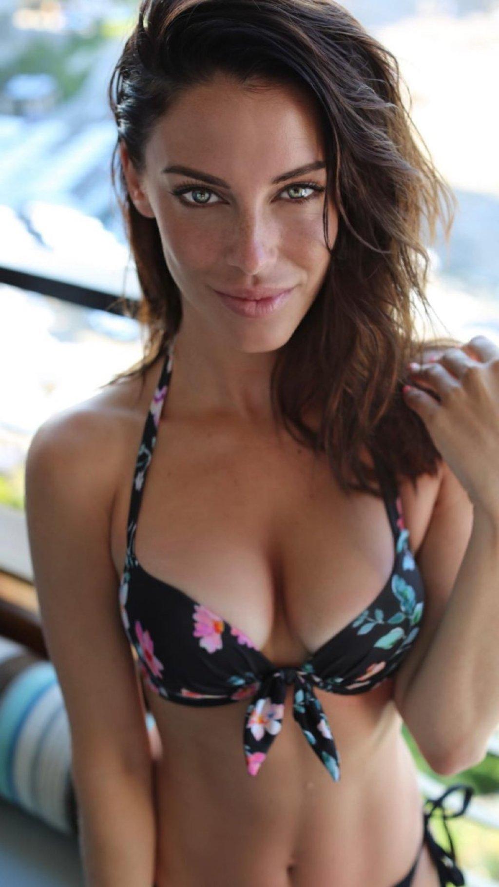 Jessica Lowndes Sexy (4 Pics)