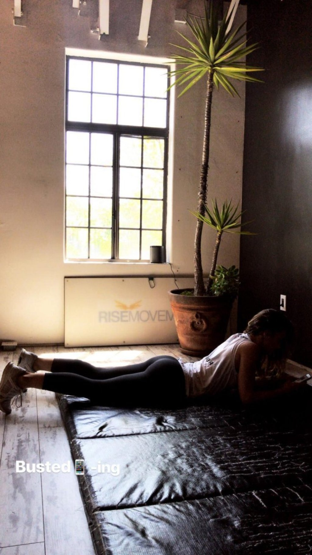 Minka Kelly Nude & Sexy (43 Photos)