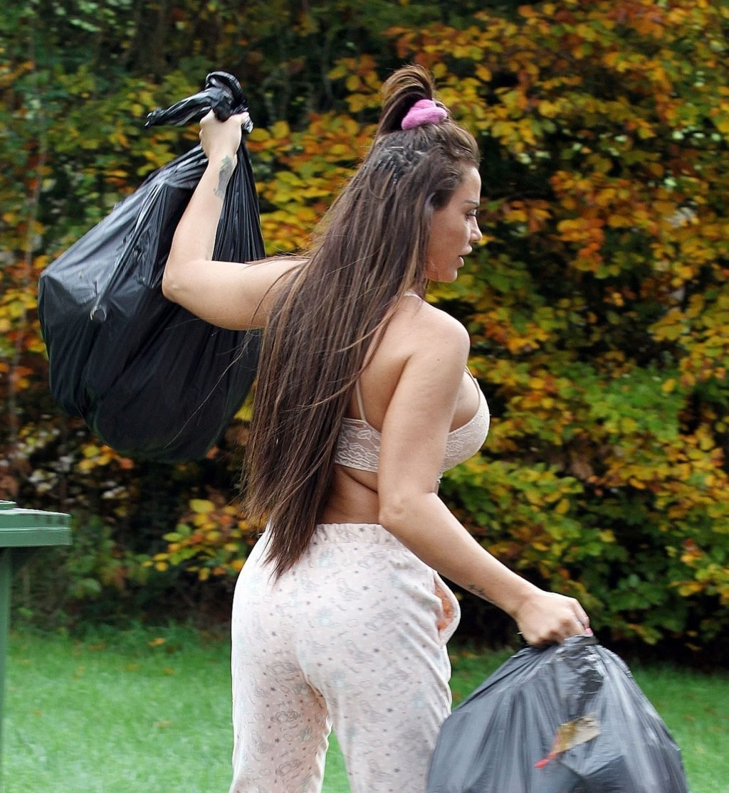 Katie Price Sexy (68 Photos)