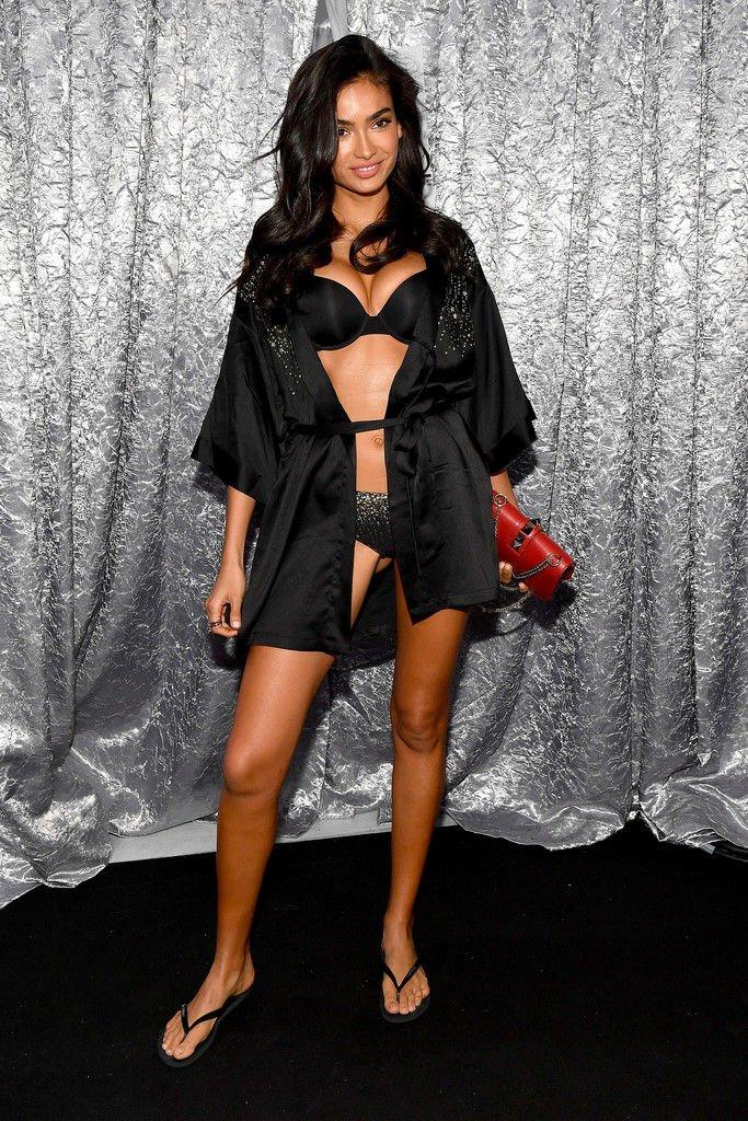 Kelly Gale Sexy (31 Photos)