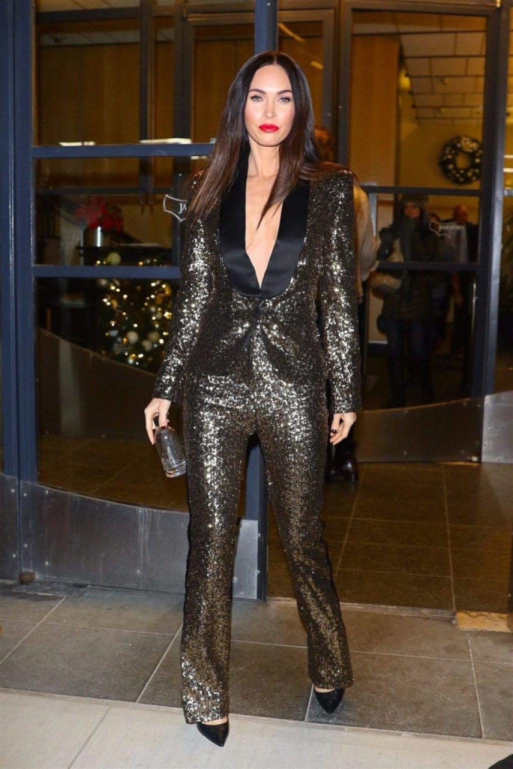 Megan Fox Braless (31 Photos)