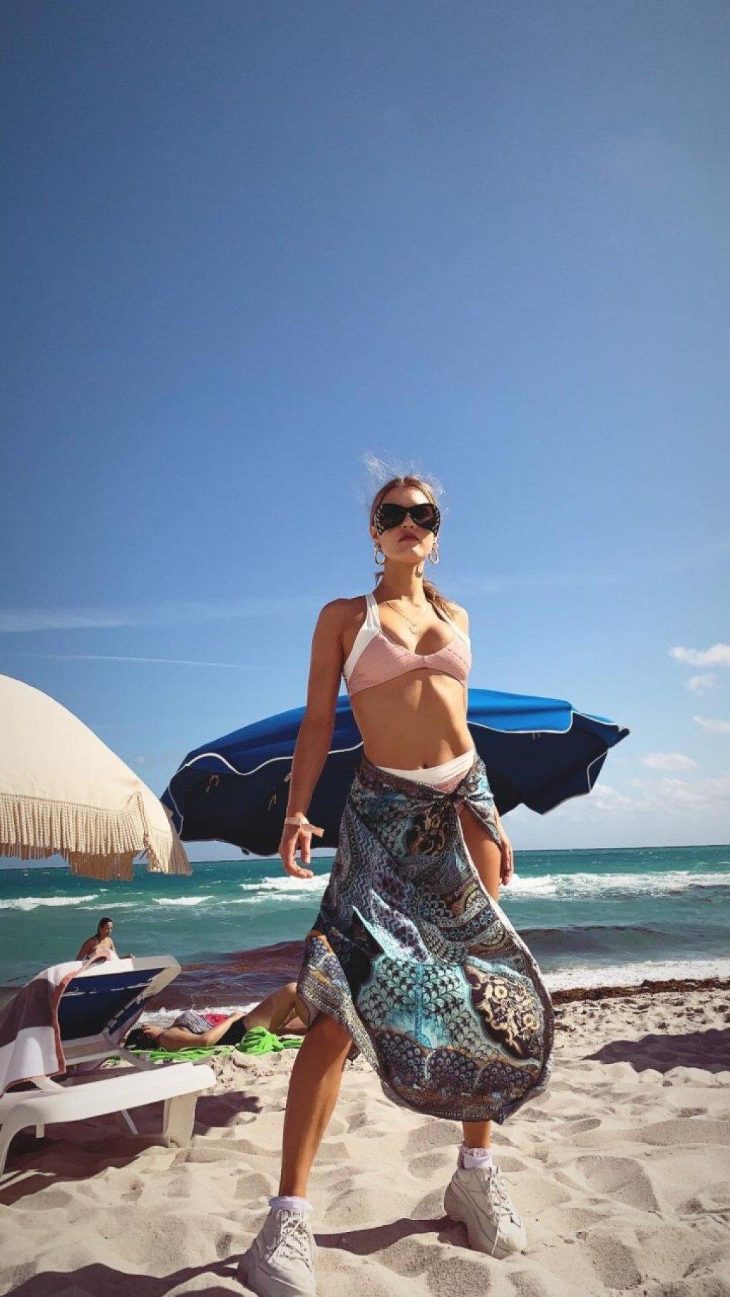 Joy Corrigan Hot (31 Photos)