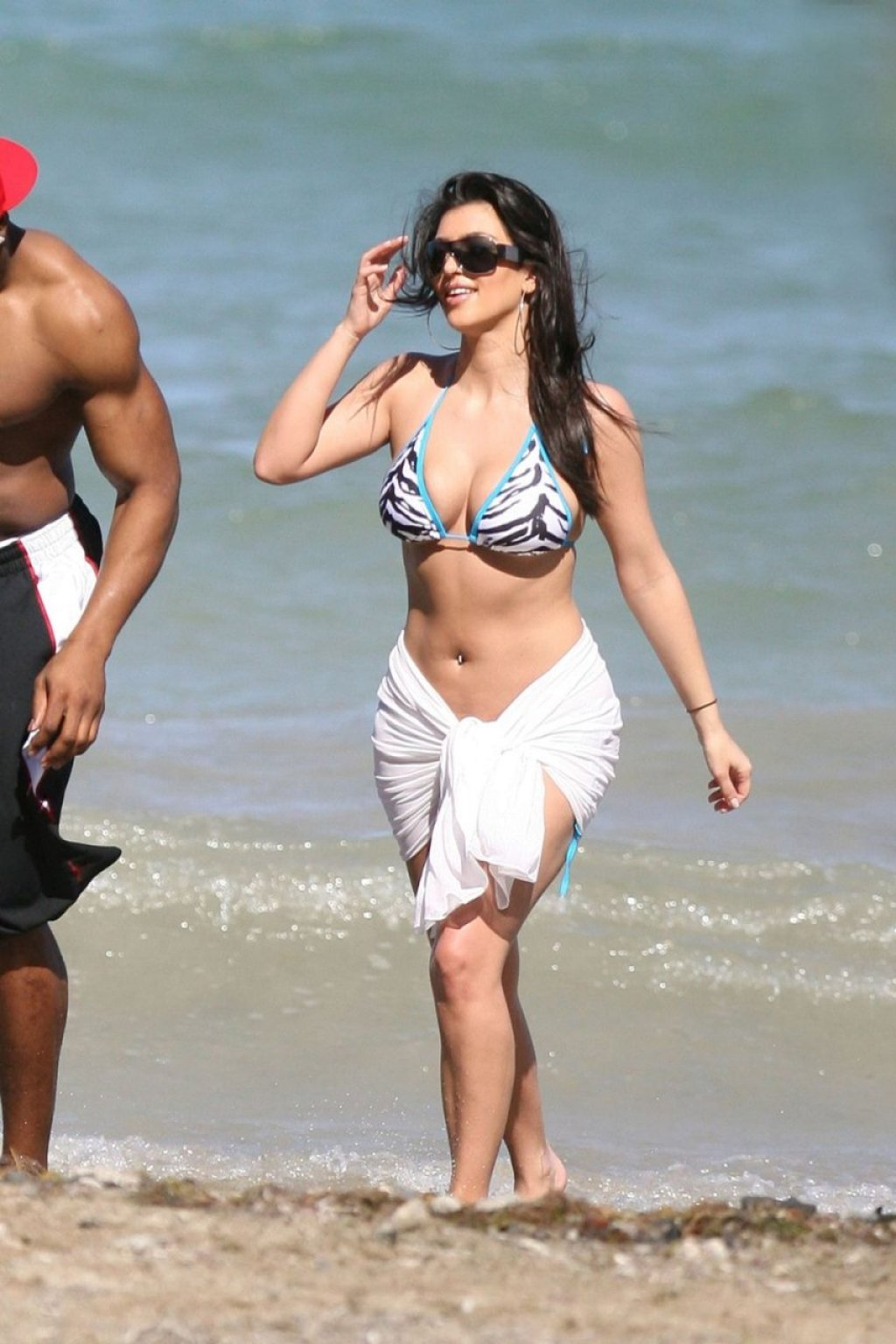 Kim Kardashian Sexy (8 Hot Photos)