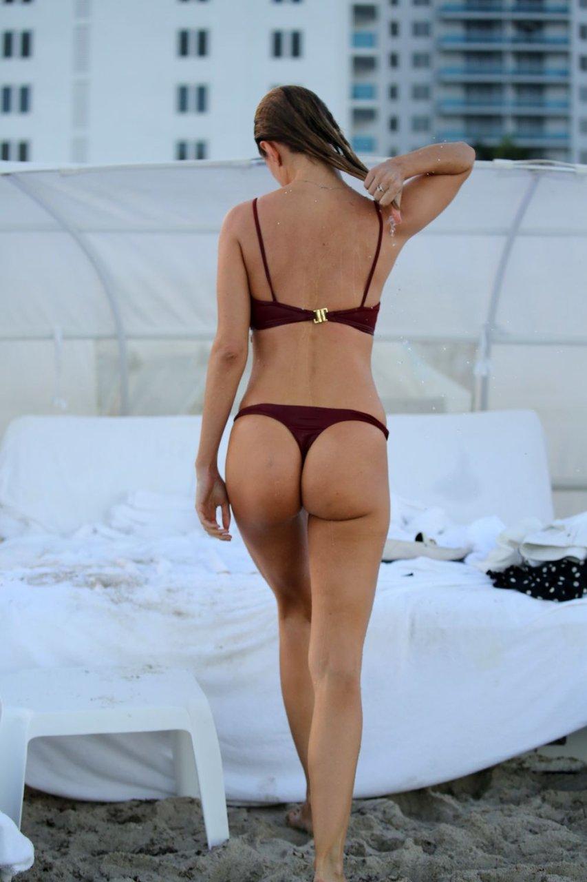 Kimberley Garner Sexy (42 Photos + GIFs)