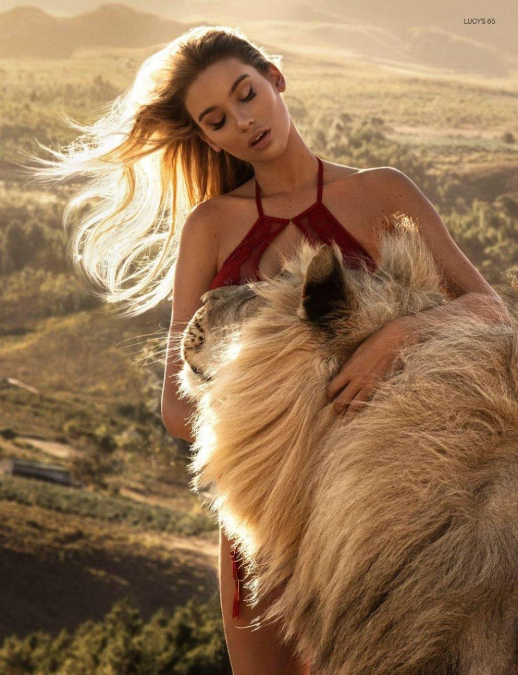 Melinda London Nude & Sexy (8 Photos)