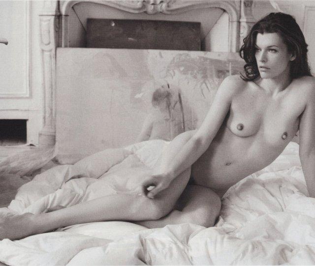Milla Jovovich Naked  Photos