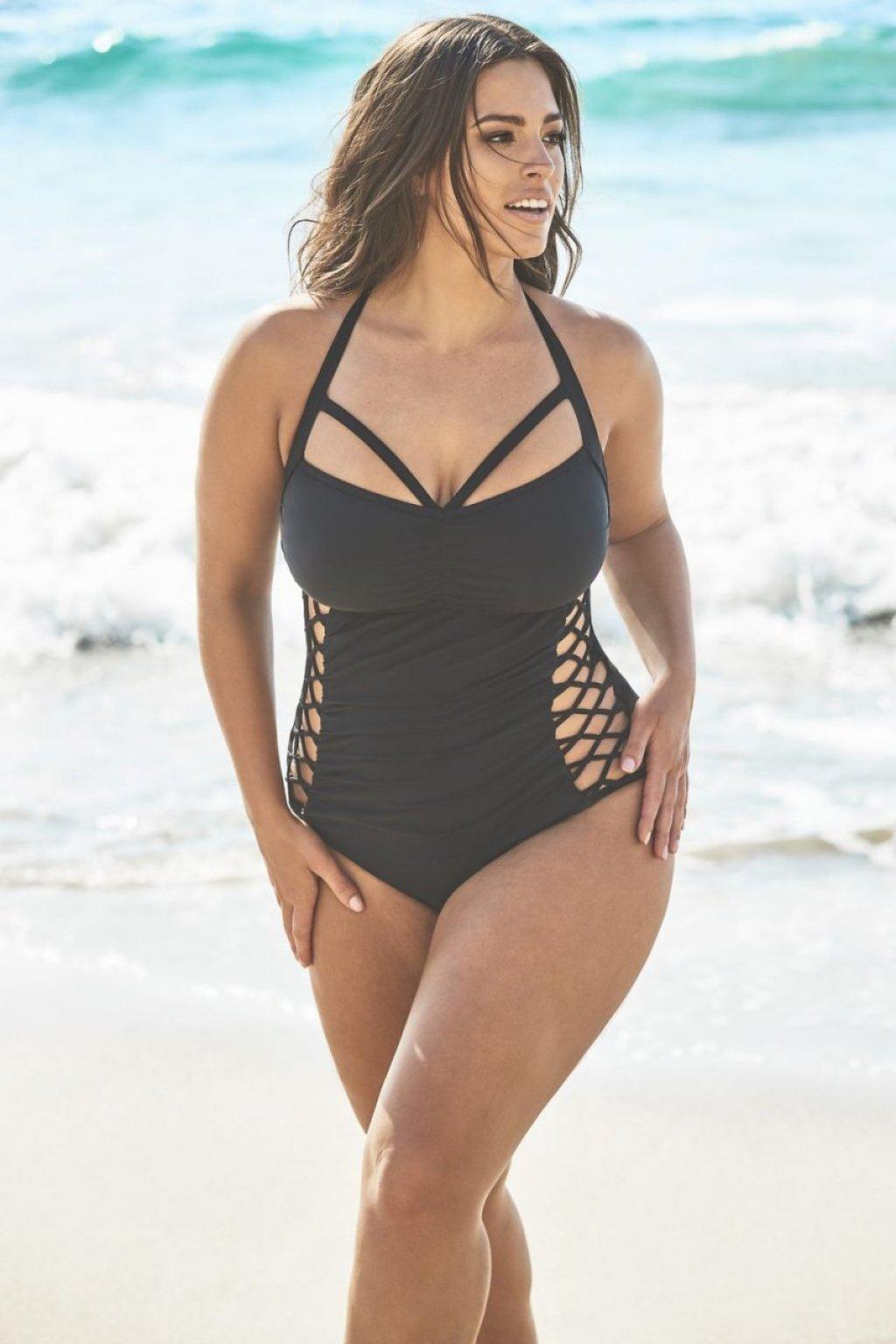Ashley Graham Sexy (18 Photos)