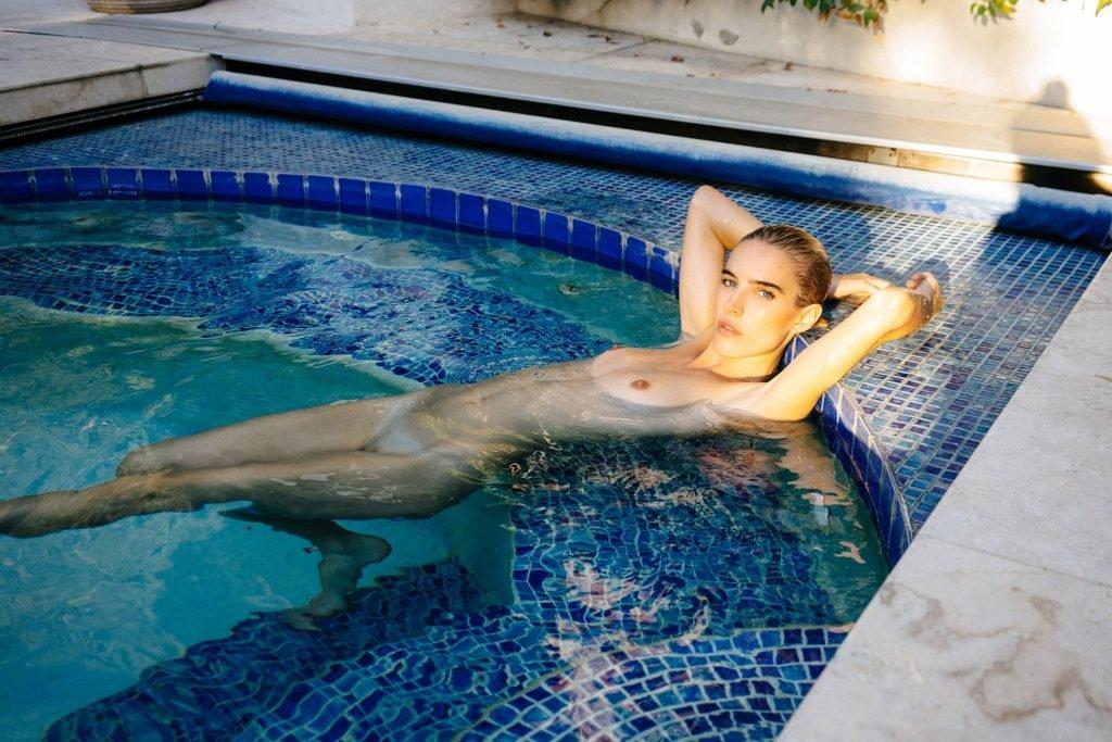 Chloe Holmes Nude (3 Photos)