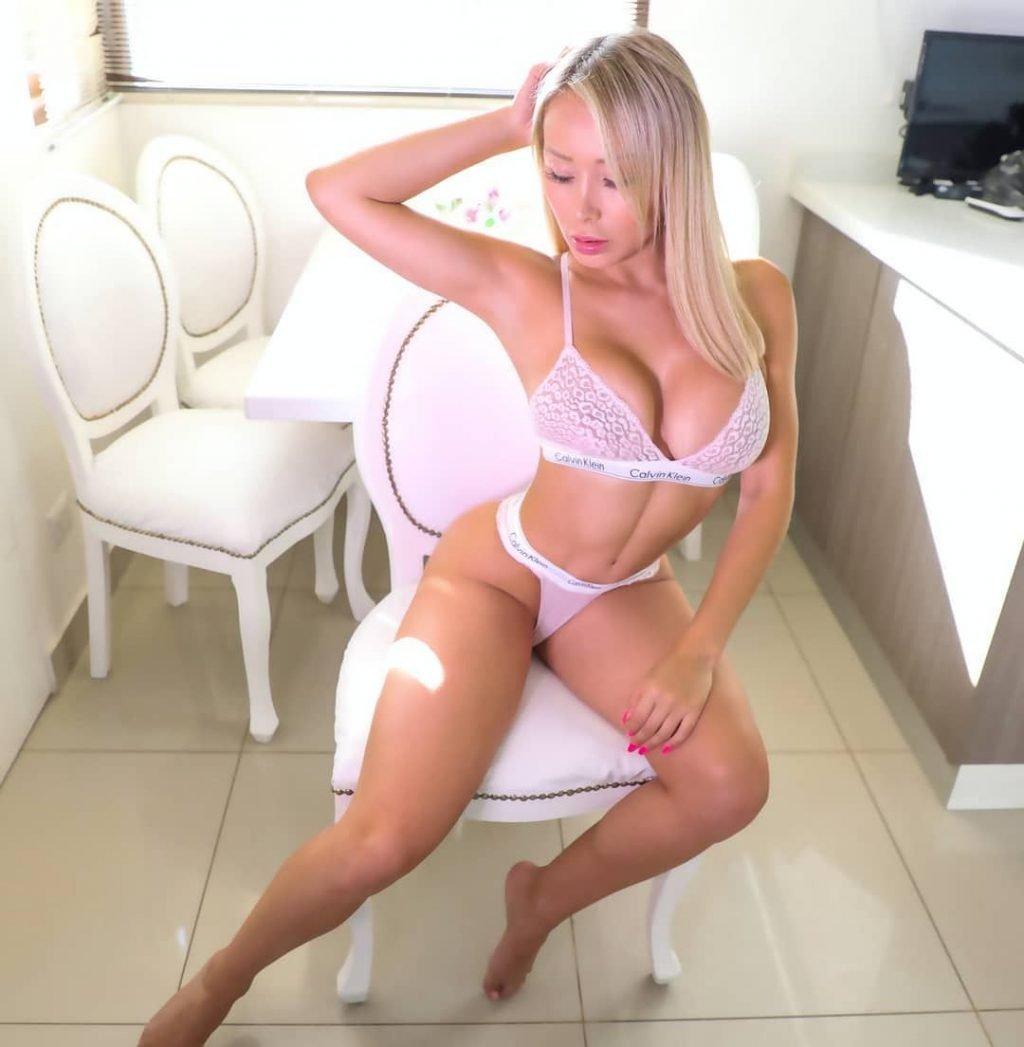 Daniella Chavez Nude & Sexy (30 Photos + Videos)