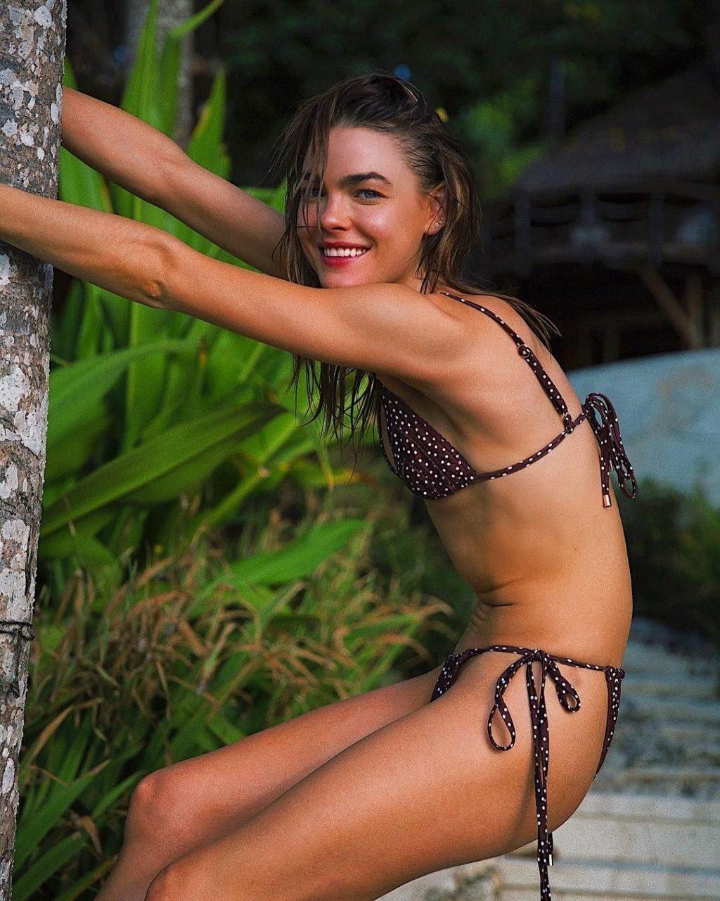 Bambi Northwood-Blyth Nude & Sexy (55 Photos)