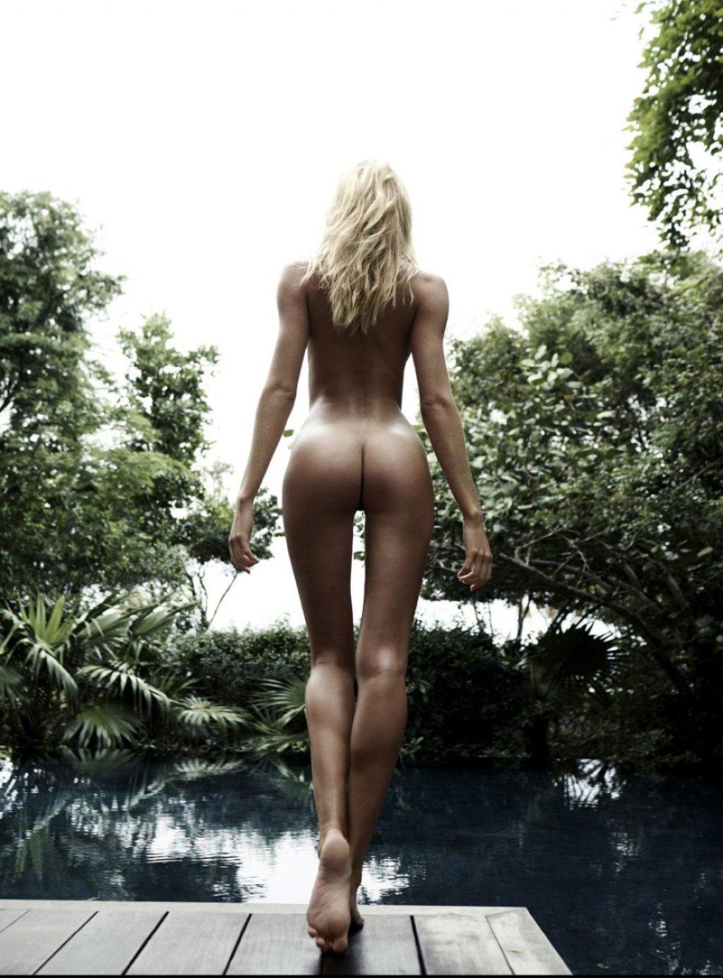Candice Swanepoel Nude & Sexy (7 Photos)