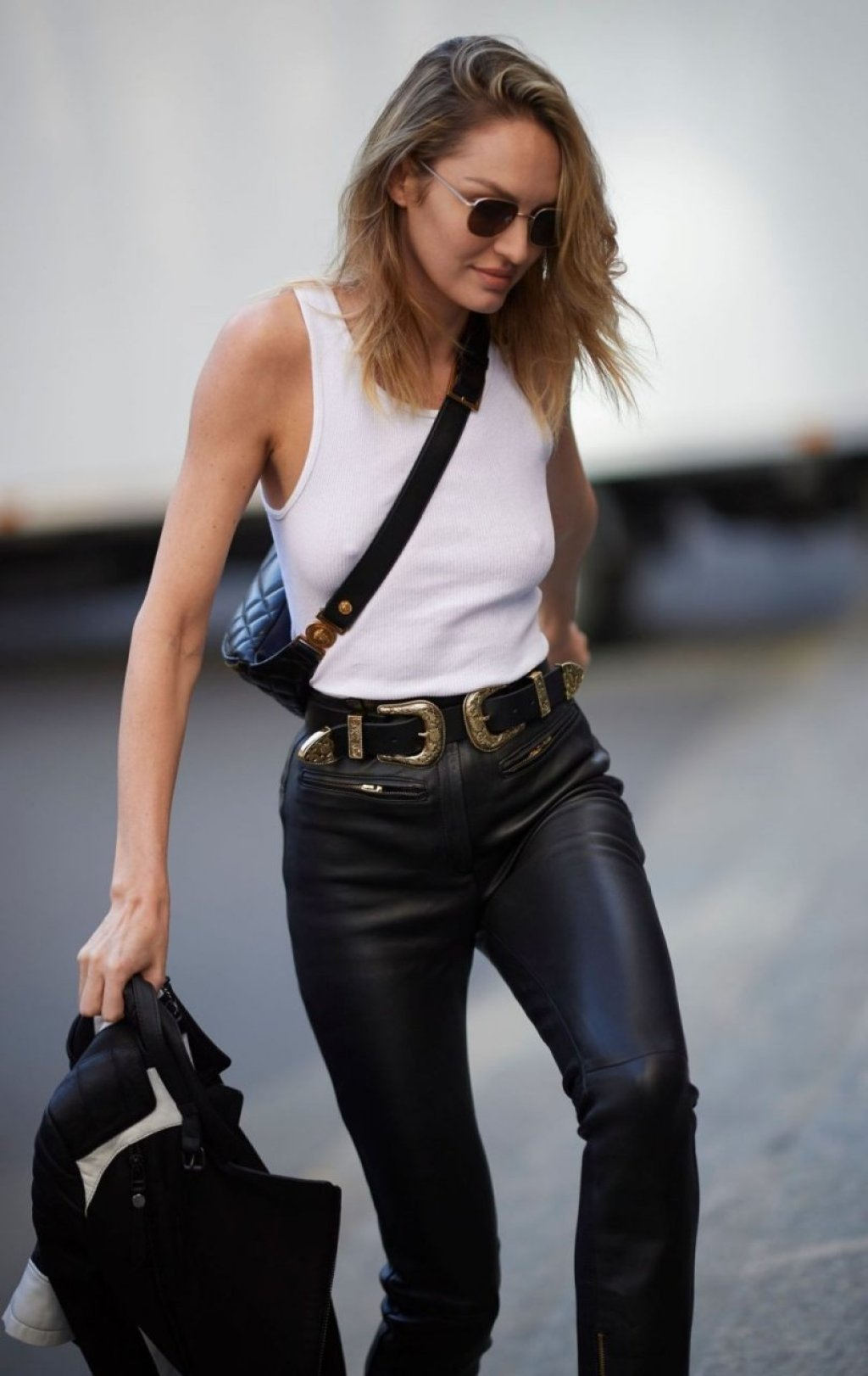 Candice Swanepoel Braless (16 Photos)