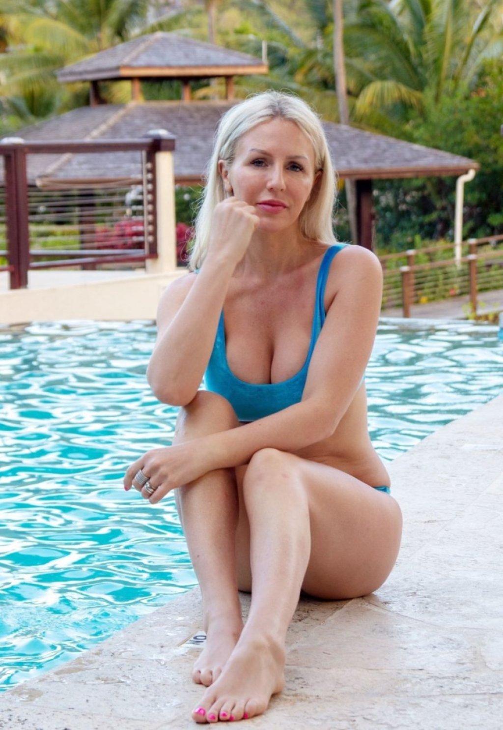 Naomi Isted Sexy (17 Photos)