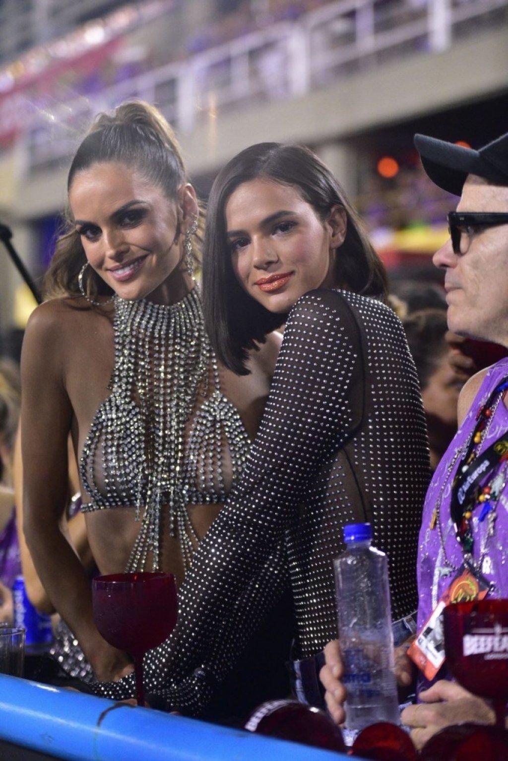 Bruna Marquezine, Izabel Goulart, Fernanda Motta See Through & Sexy (102 Photos)