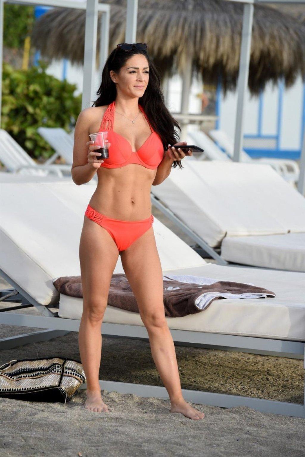 Casey Batchelor Sexy (12 New Photos)