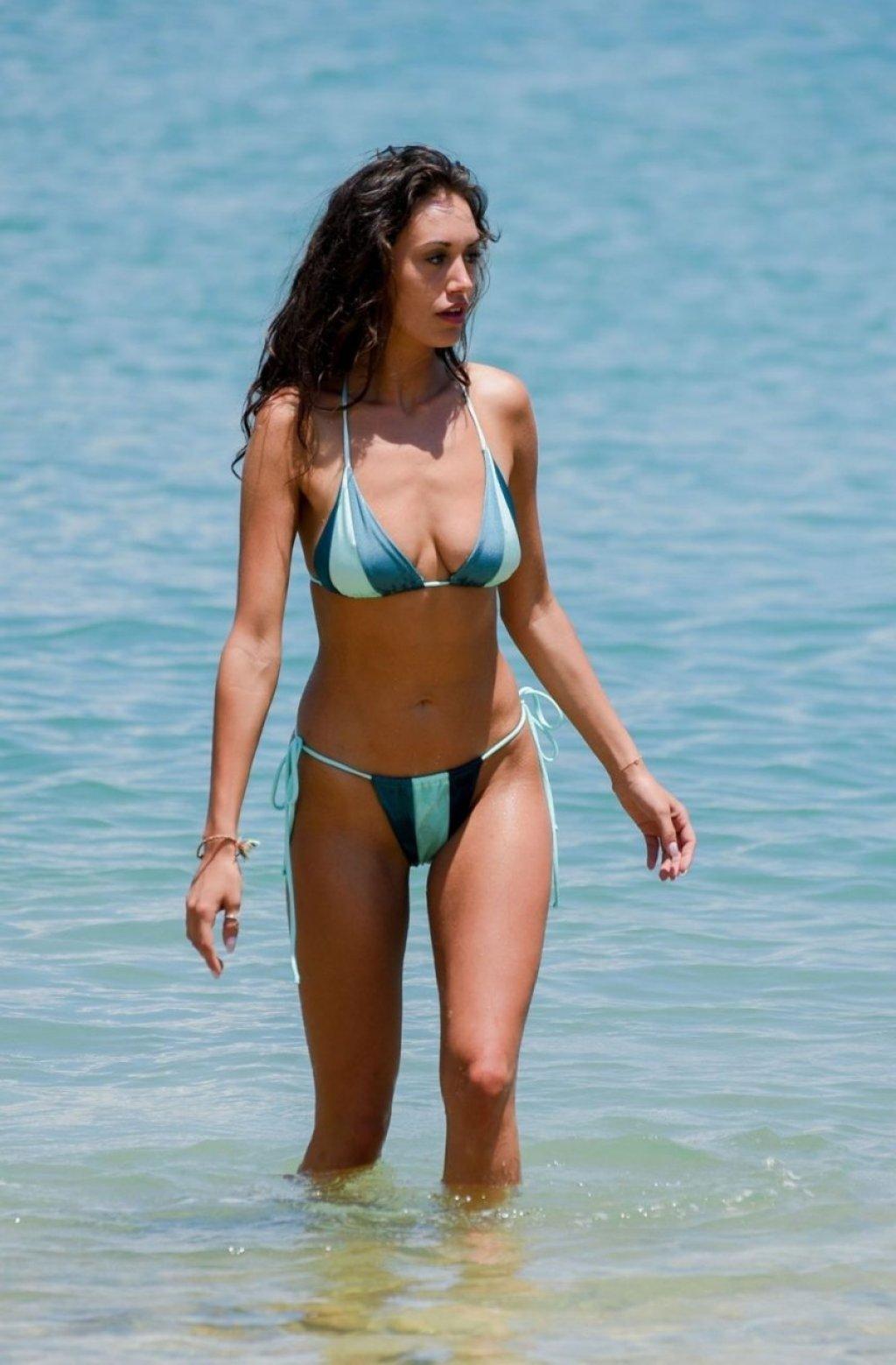 Clelia Theodorou Sexy (20 Photos)