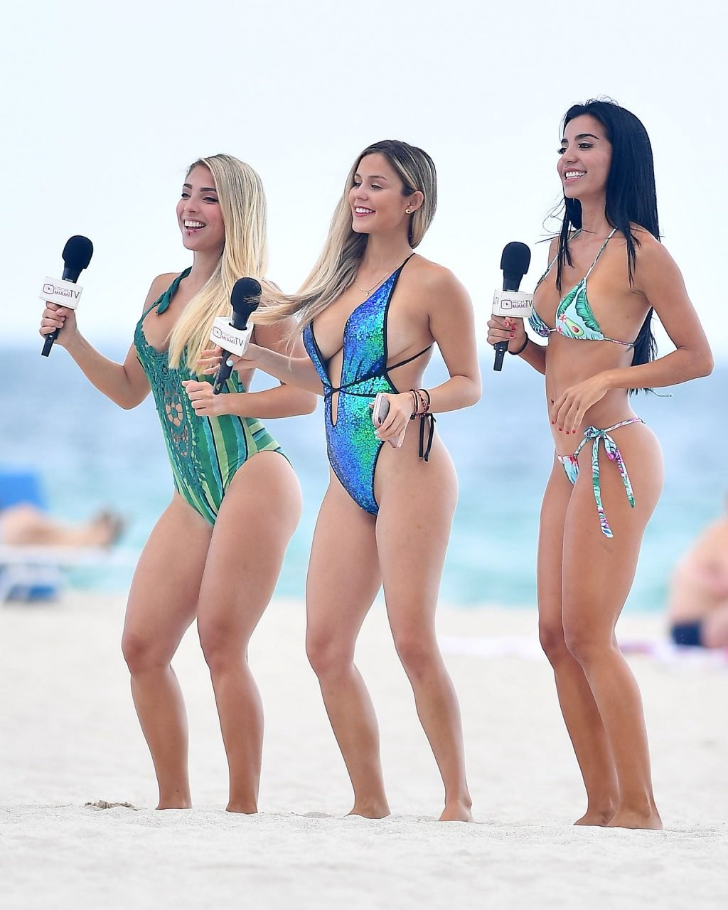 Anairam, Cinthya Bermudez, Julie Pauline Rodríguez Sexy (32 Photos)