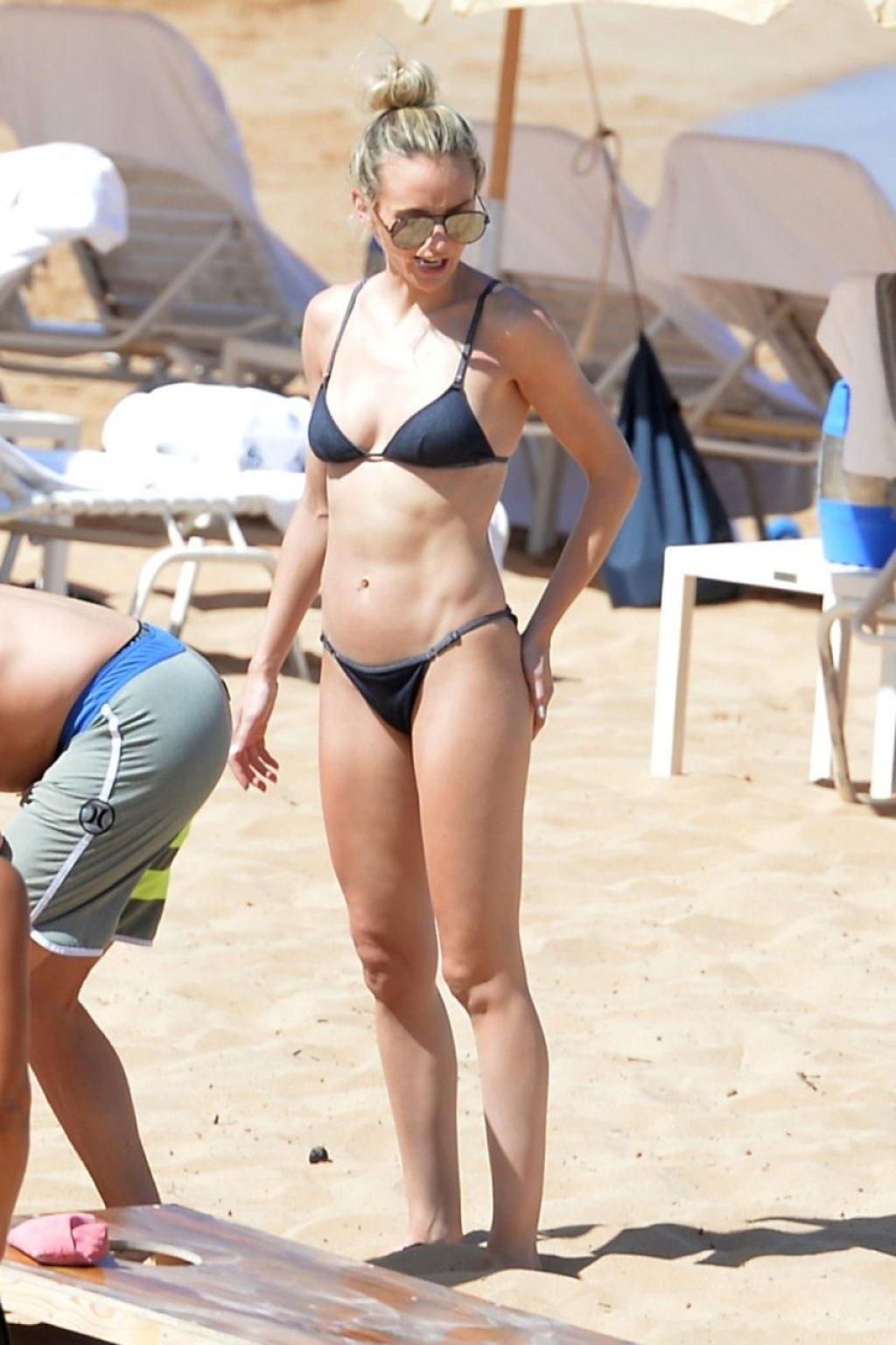 Lauren Bushnell Sexy (18 Photos)