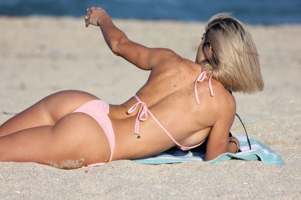 Michelle Lewin Sexy (38 Photos)