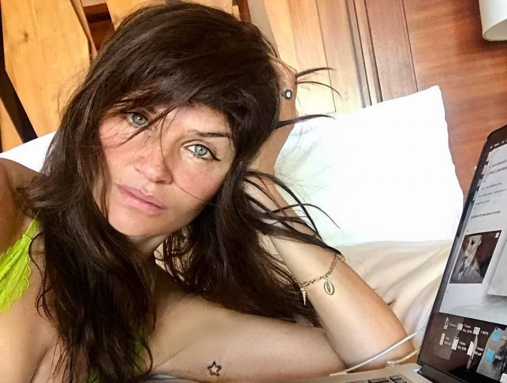 Helena Christensen Sexy (15 Photos)
