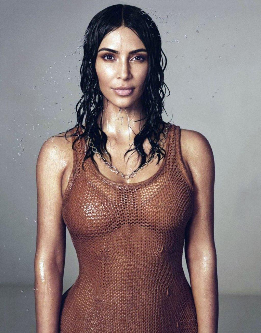 Kim Kardashian West (6 Sexy Photos)