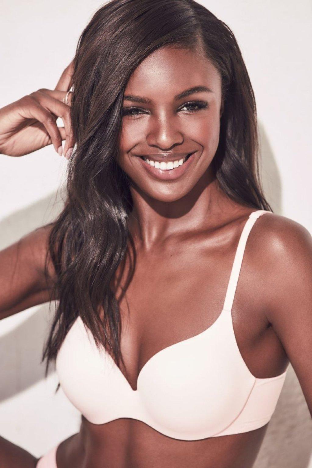 Leomie Anderson Sexy (4 Photos)
