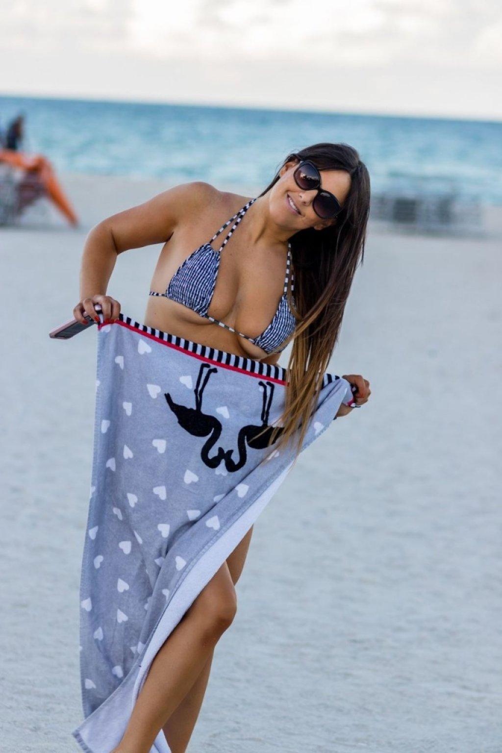 Claudia Romani (21 Sexy Photos)