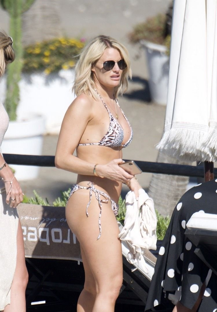 Danielle Armstrong Sexy (33 Photos + Video)