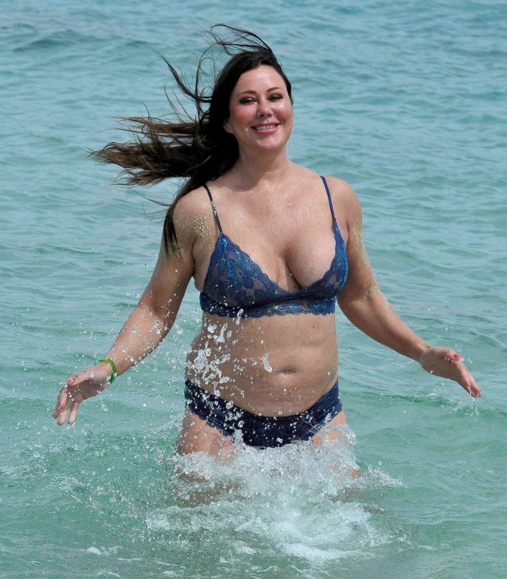 Lisa Appleton Hot & Topless (26 Photos)