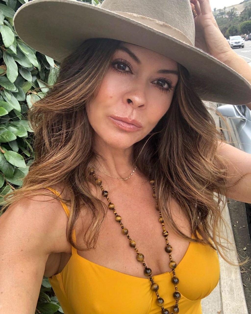 Brooke Burke Sexy (17 New Photos)