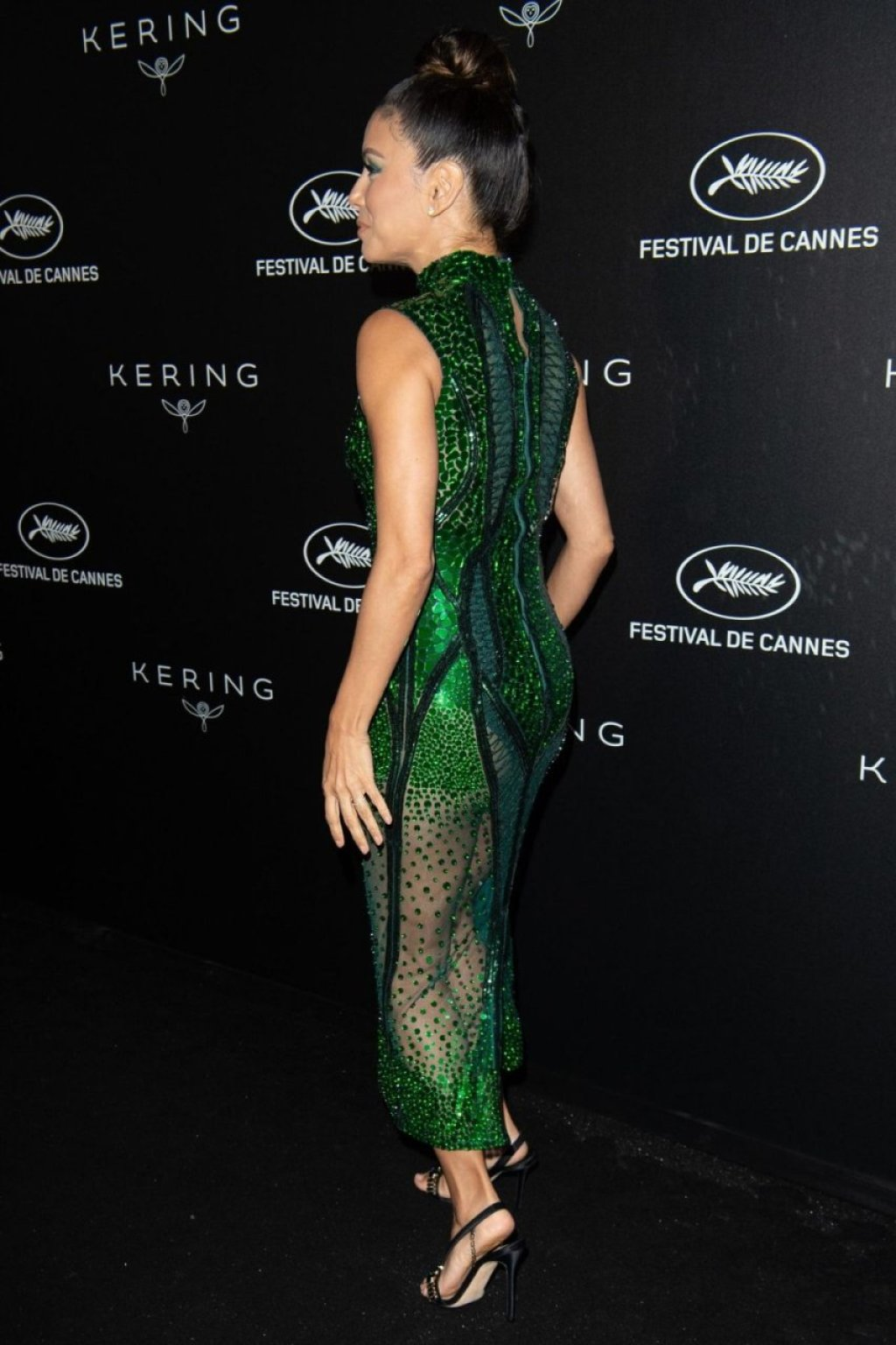 Eva Longoria Sexy (23 Photos)